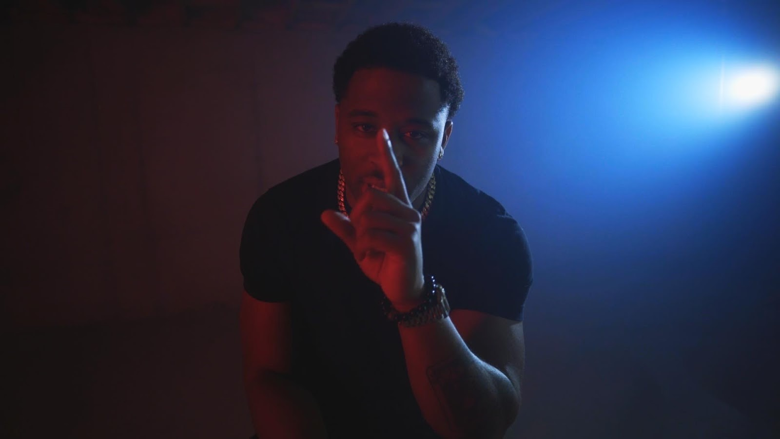 """Big Steilo Shares His Introspective Moods On New Music Video """"Critical"""""""