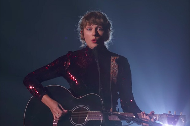 Taylor Swift, Gwen + Blake & More Perform At ACM Awards
