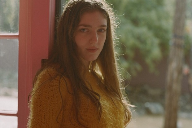 "Birdy's 'Piano Sketches' EP Takes Shape With ""Island Lights"""
