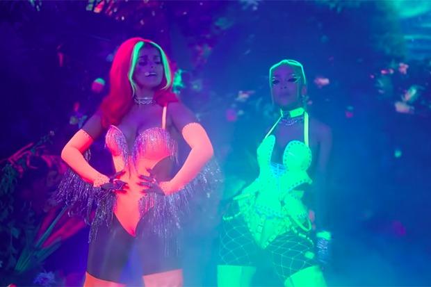 "Bebe Rexha & Doja Cat Nail Live Debut Of ""Baby I'm Jealous"""