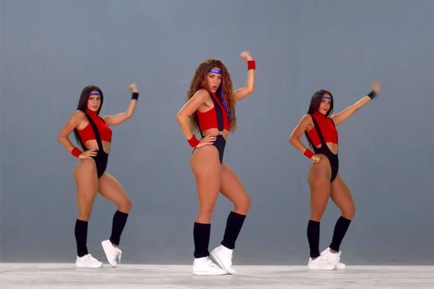 "Shakira Sizzles In Black Eyed Peas ""Girl Like Me"" Video"