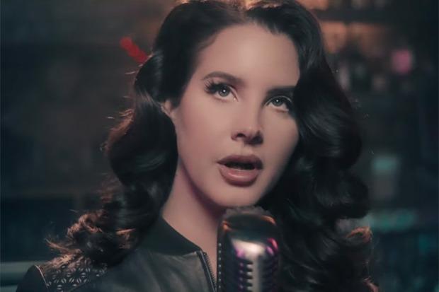 "Lana Del Rey Performs ""Let Me Love You Like A Woman"" On 'Fallon'"