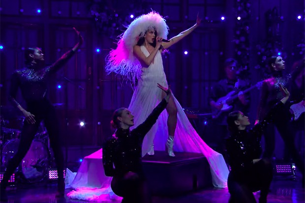 "Dua Lipa Slays 'SNL' With ""Don't Start Now"" & ""Levitating"""