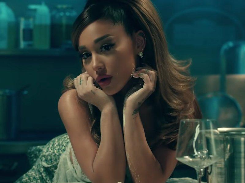 Ariana Grande Surprise Marries Real Estate Agent Boyfriend