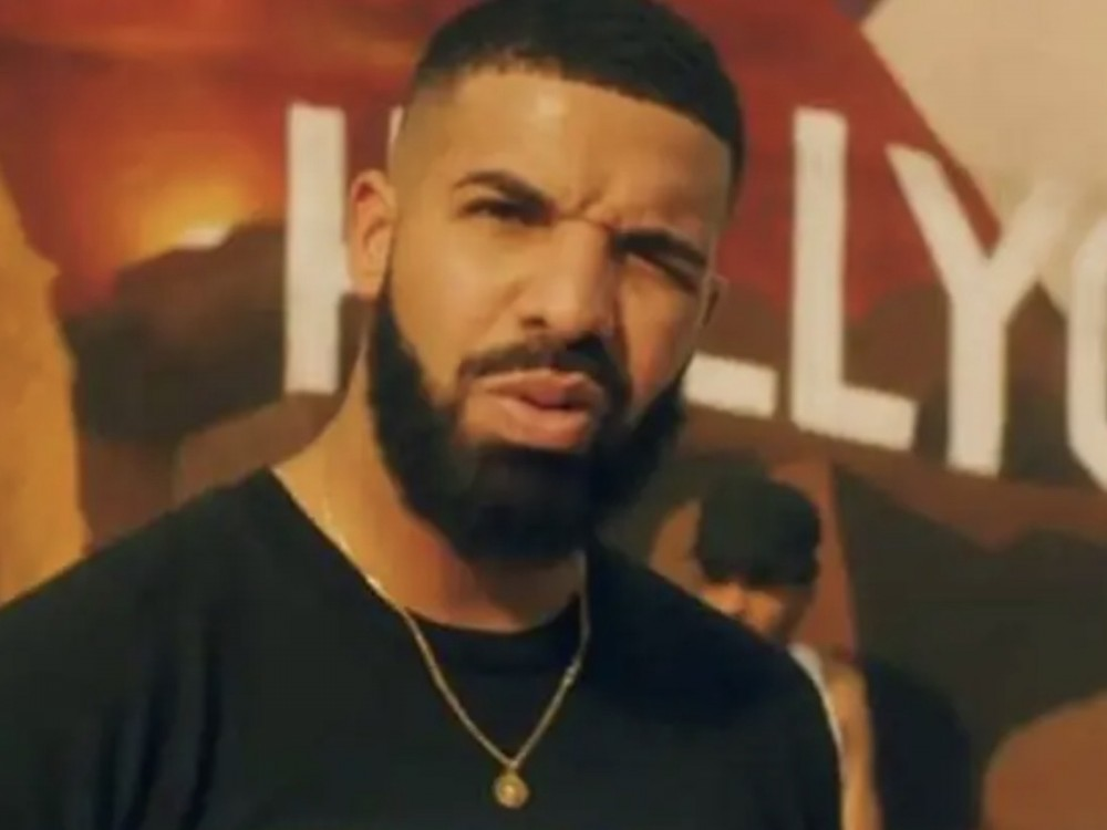 """Drake Reached Out To Lizzo After Raunchy """"Rumors"""" Line"""