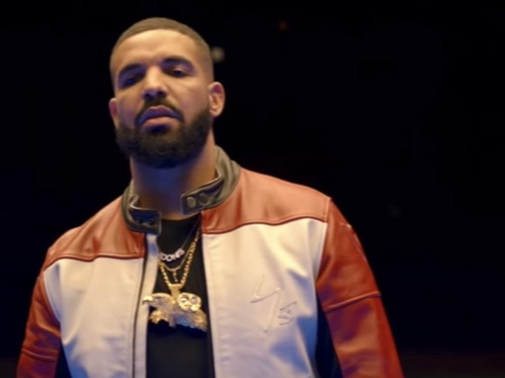 Drake Sides With Soulja Boy Against Kanye West