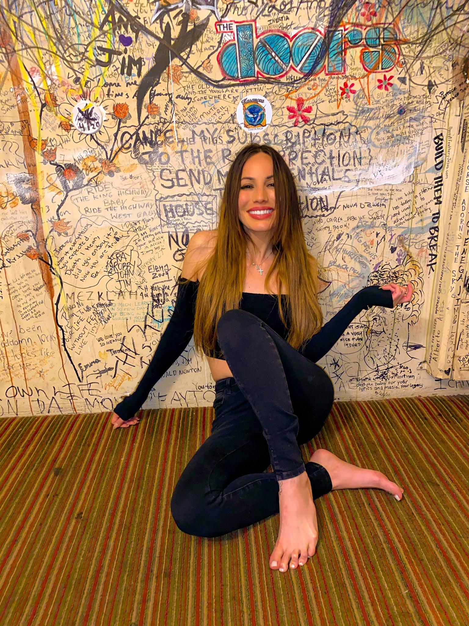 Latin American Artist Lauren Rosas Moves Onto Podcasts