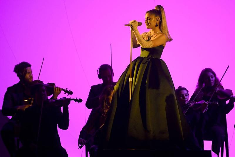 Ariana Grande Wants You To Get Better, Gives Away $5 Million For World Mental Health Day